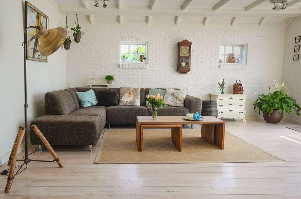 Cách chọn gạch ốp tường phòng khách đẹp và sang trọng