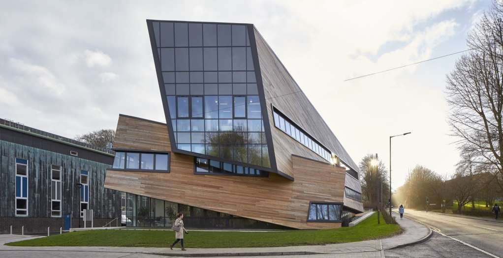 Ogden Centre là một dự án tiêu biểu trong sự nghiệp thiết kế kiến trúc của Studio Libeskinds