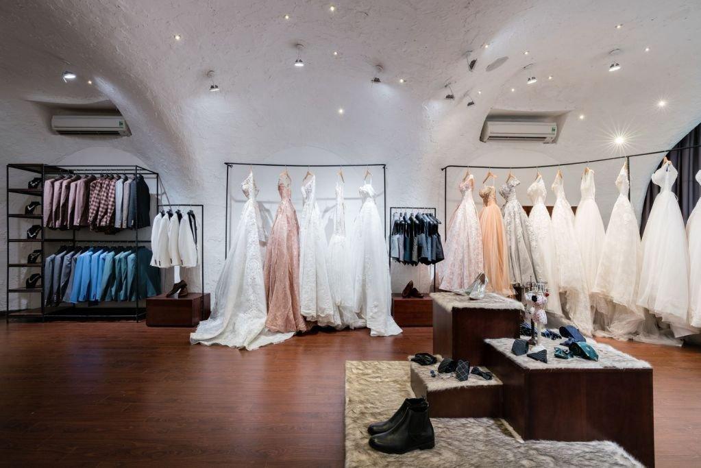 Khu vực cô dâu thử áo cưới