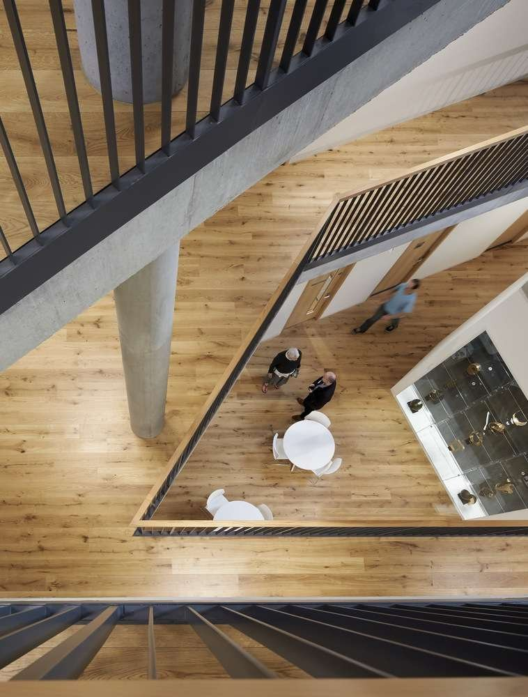 Ogden Centre thiết kế tạo một hình xoắn ốc liên tiếp xếp chồng lên nhau