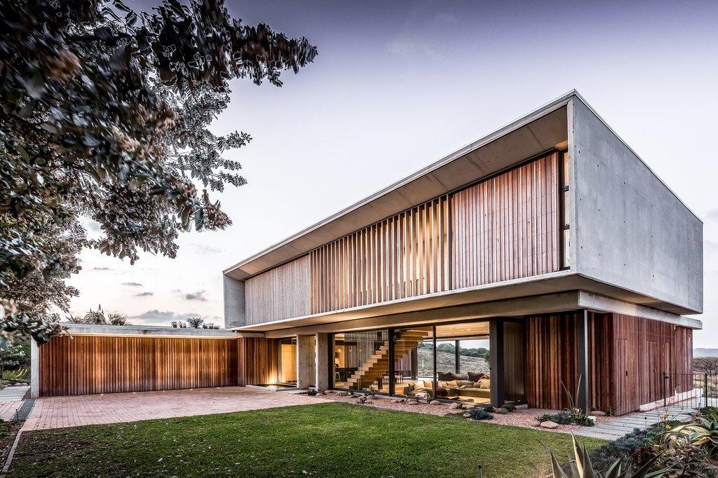 Vẻ đẹp mộc mạc thô sơ của gỗ rừng quý hiếm được tái hiện qua kiến trúc