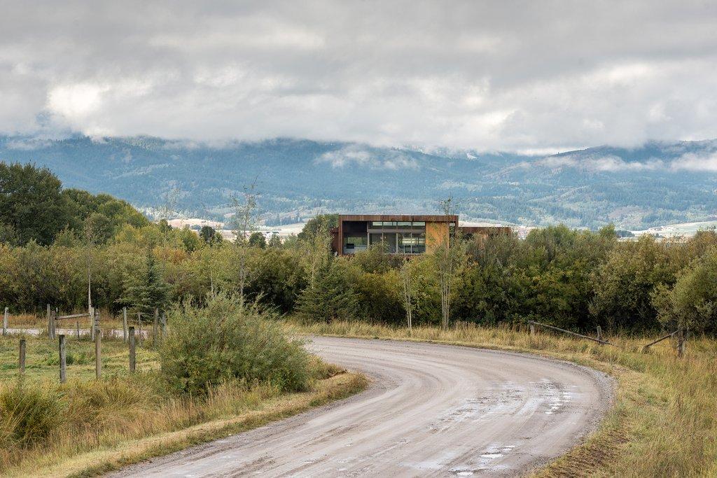 Xây dựng trên một lô đất lớn nằm bên ngoài khu vực Jackson Hole
