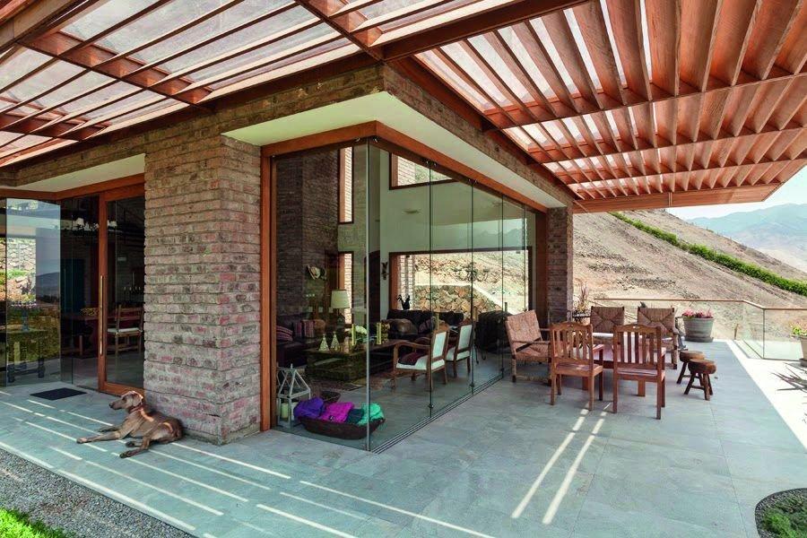 Vật liệu và màu sắc hài hòa của ngôi nhà
