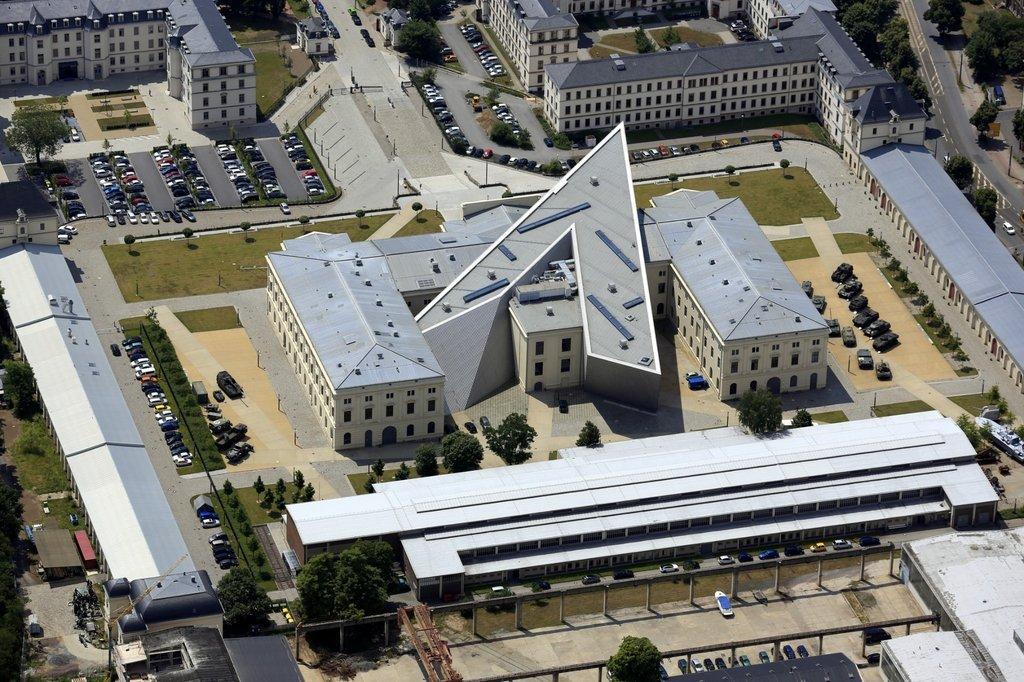 Công trình này trở thành là bảo tàng lịch sử quân sự của nước Đức có vị trí nằm bên ngoài trung tâm của thành phố Dresden