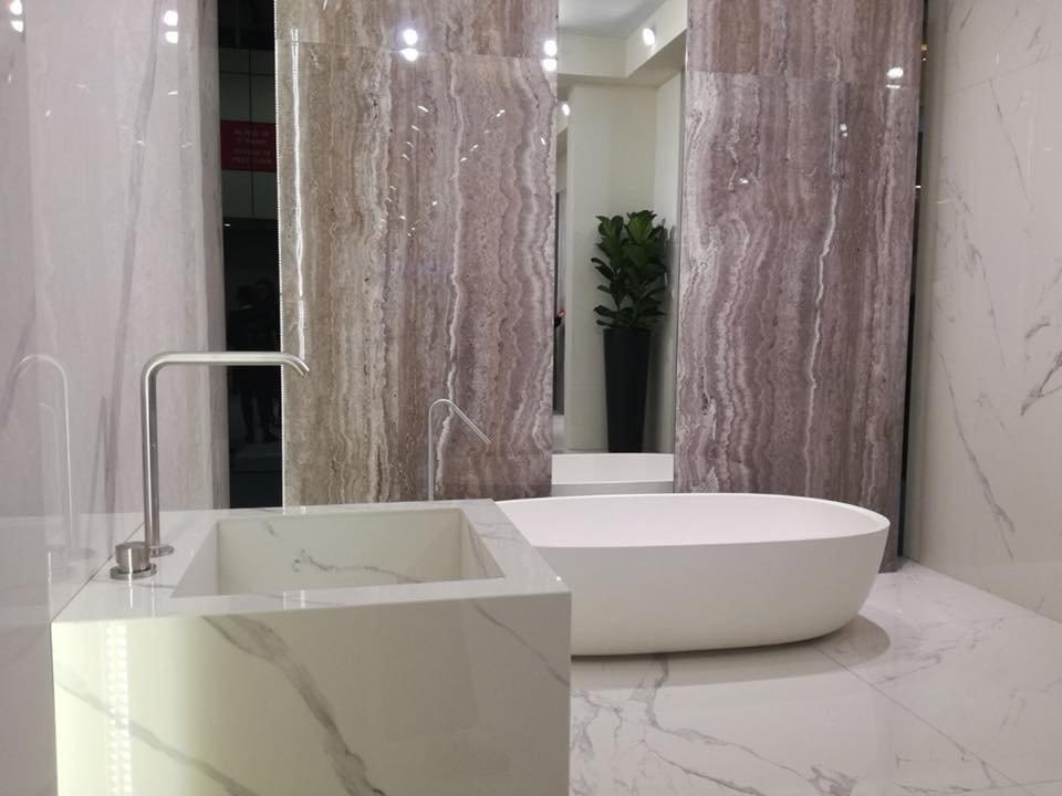Chọn màu sắc cho gạch lát nền phòng tắm