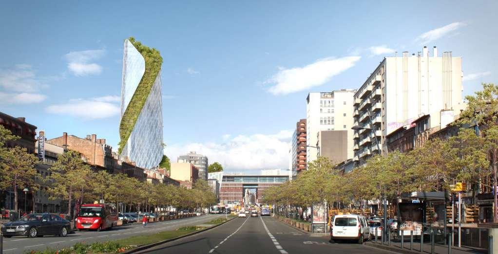 Dải cây xanh uốn lượn dọc theo chiều cao của tòa nhà