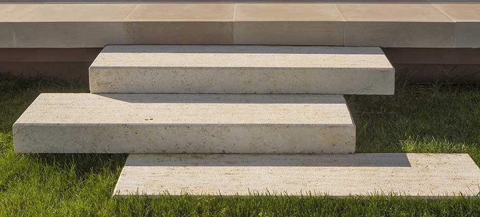 độ cứng của gạch là yếu tố cần được chú trọng
