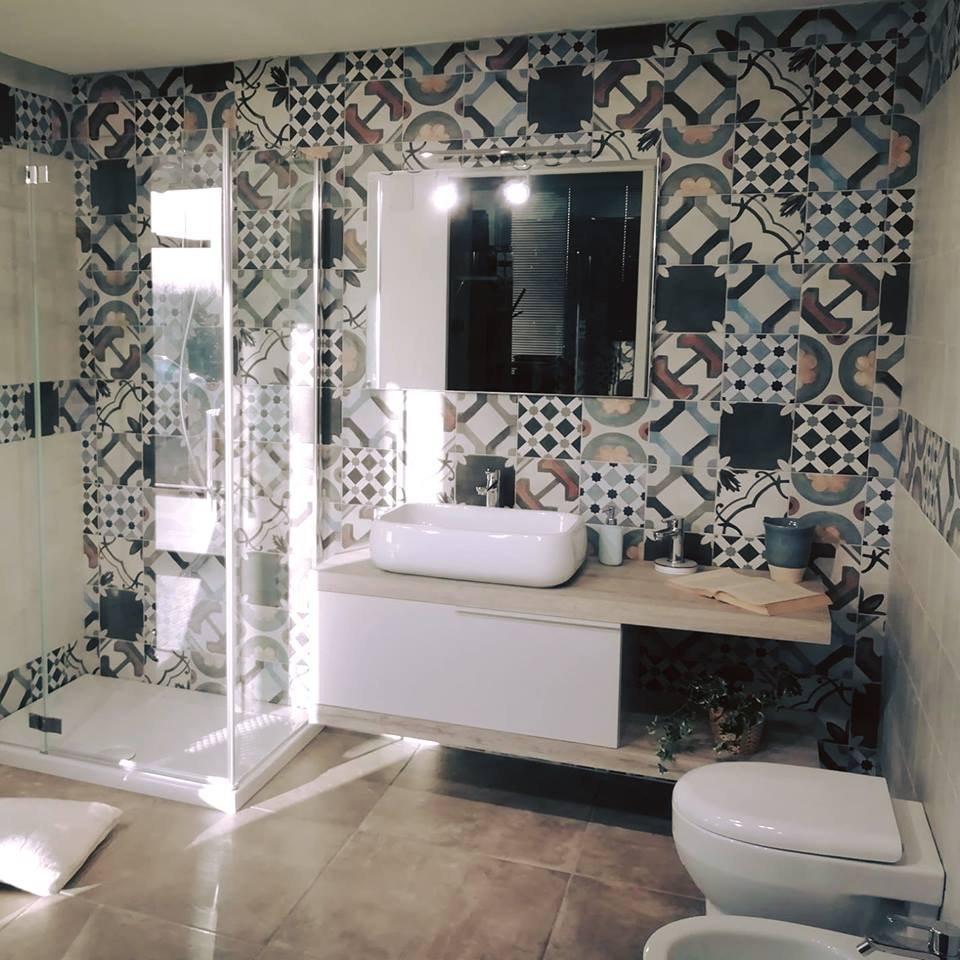 Gạch hoa văn trang trí phòng tắm