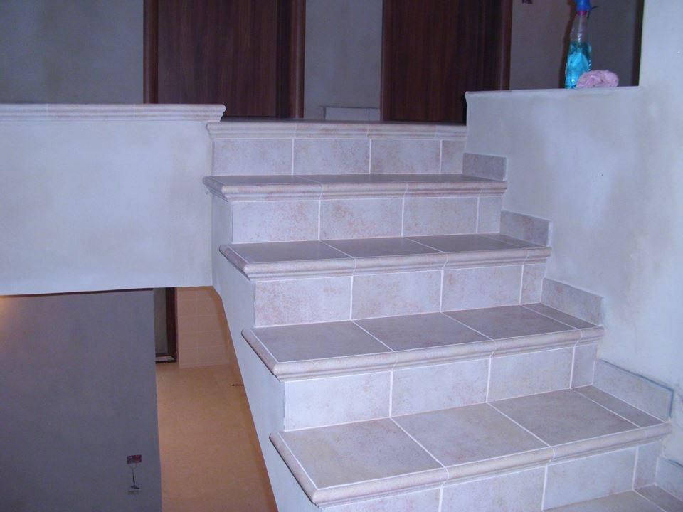 Gạch trang trí cầu thang chống trơn trượt