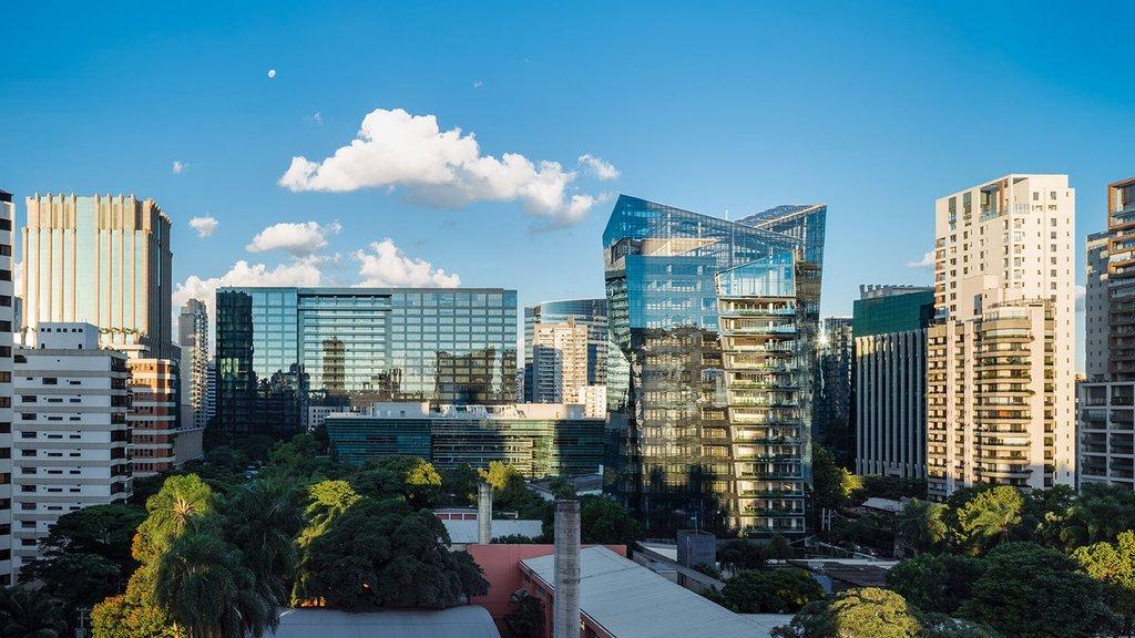 2.Dự án tòa nhà cao tầng bằng kính tinh thể Vitra được lấy cảm hứng sáng tạo từ hình ảnh của thành phố São Paulo