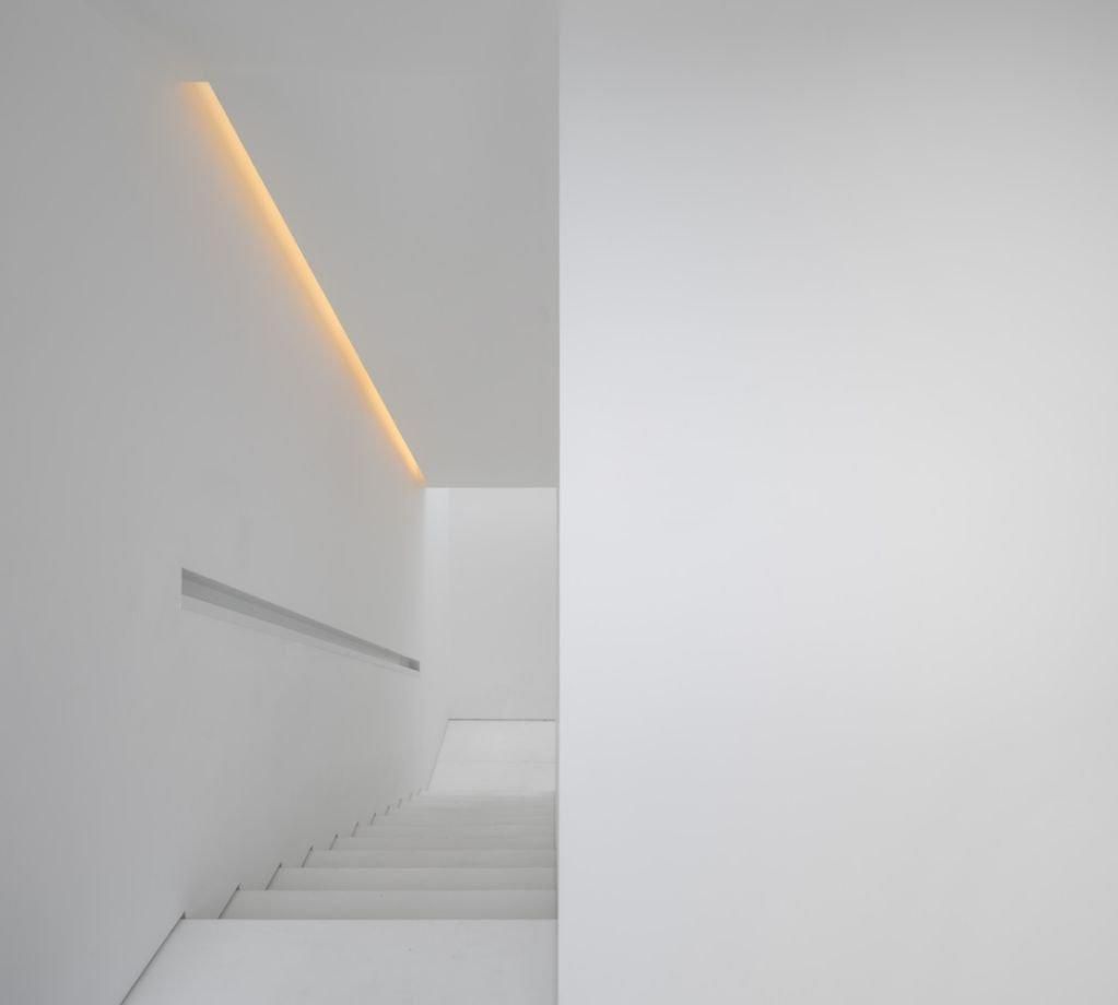 Thiết kế không gian màu trắng tạo sự rộng rãi