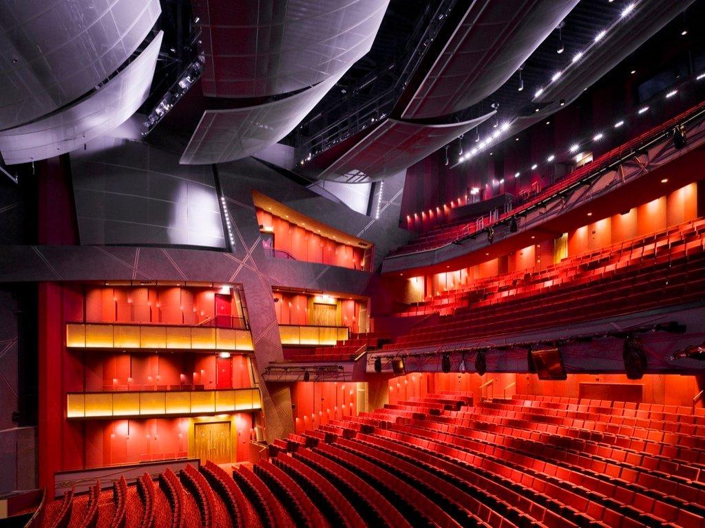 Với diện tích lên đến 13,768 sqm cùng 2000 chỗ ngồi đã biến nơi đây trở thành nhà hát lớn nhất ở Ireland