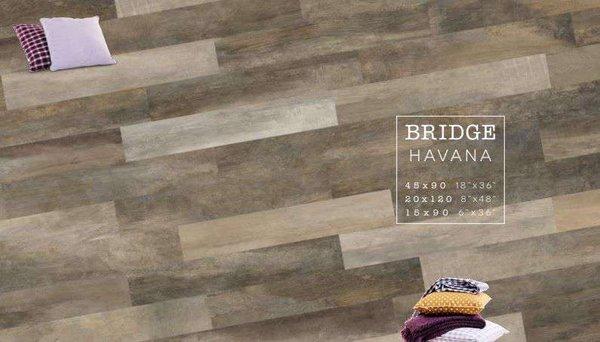 Mỗi màu của bộ sưu tập Bridge có 3 kích thước