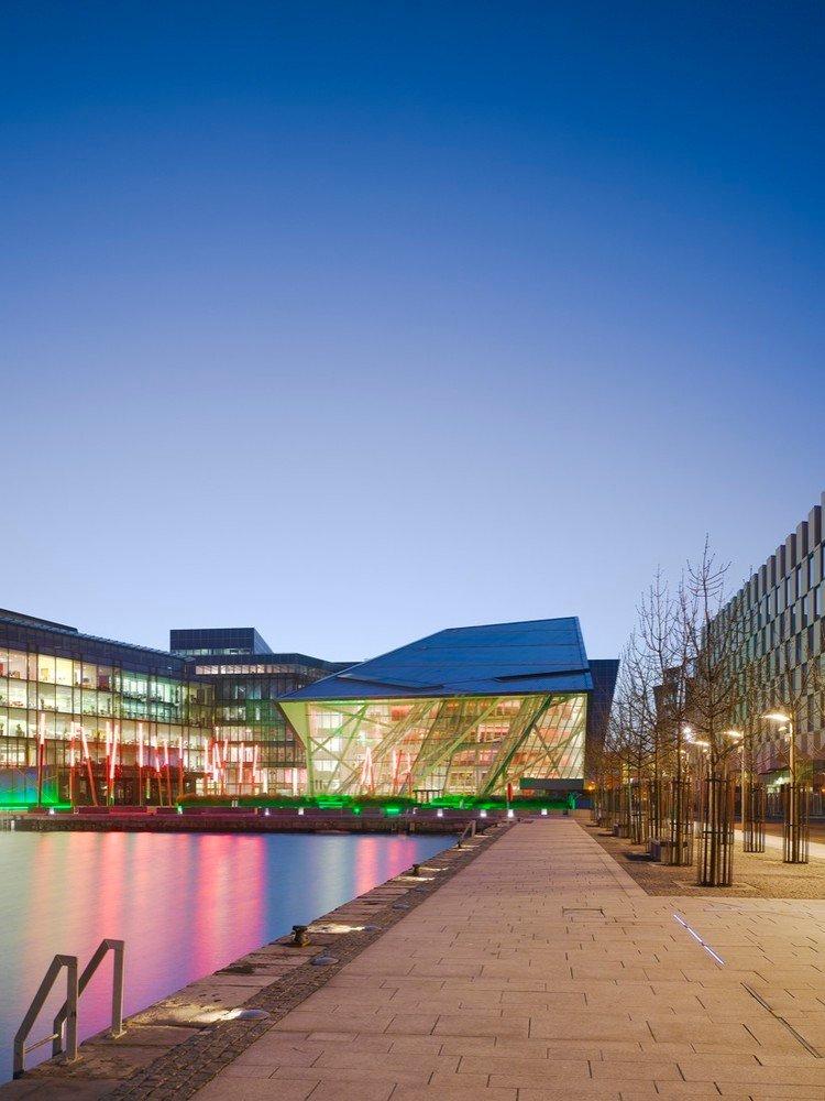 Nhà hát cung cấp tầm nhìn ngoạn mục ra Cảng Dublin