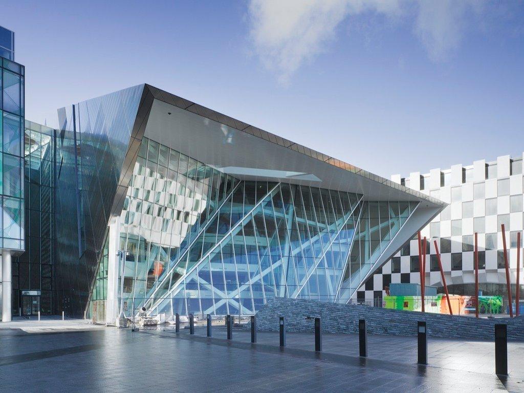 Nhà hát thành phố Grand Canal Theatr tại Dublin của Daniel Libeskind