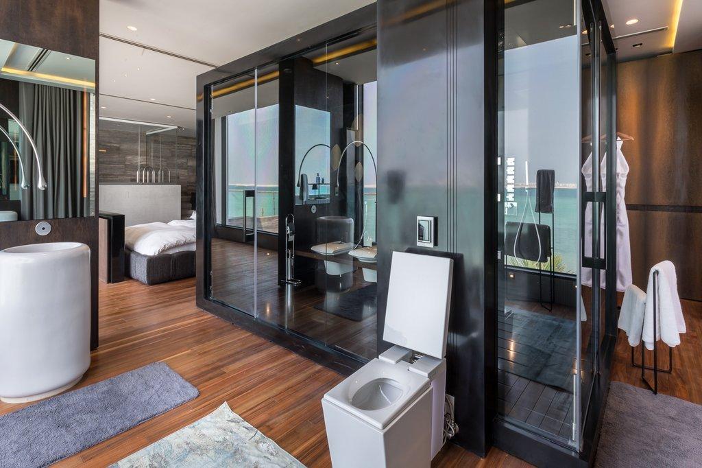 Phòng ngủ chính giống như một căn hộ cá nhân trong đó mọi nhu cầu của gia đình