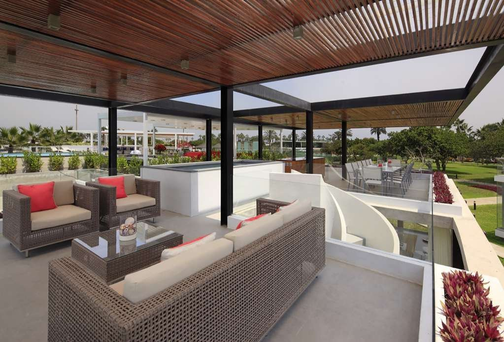 Sân thượng được chú trọng thiết kế đến những yếu tố công cộng