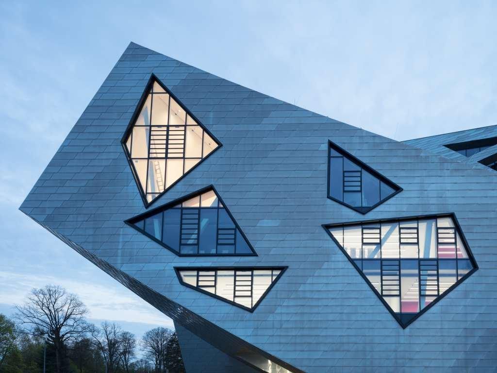 Cửa sổ được thiết kế theo một phong cách đặc biệt