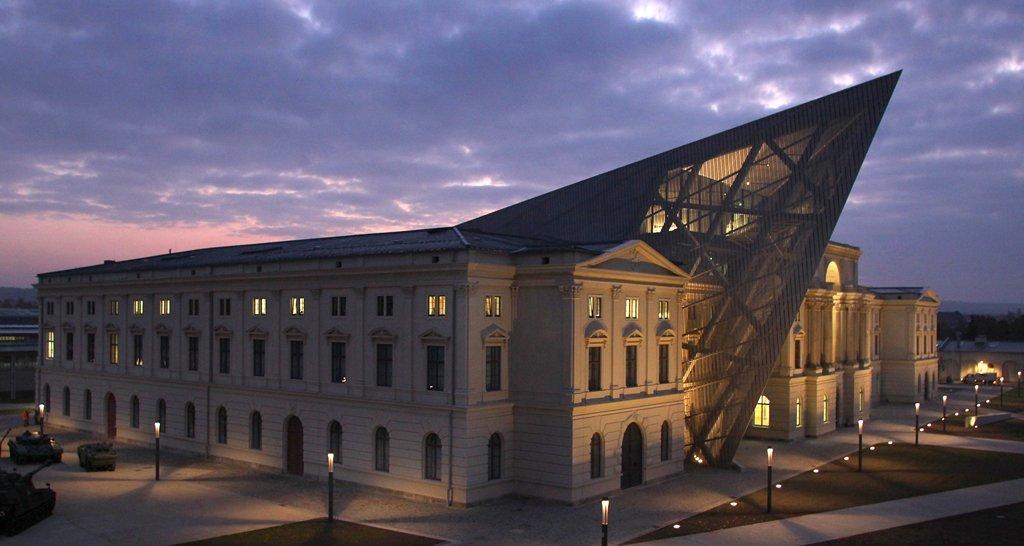 Bảo tàng tồn tại trong suốt quá trình chiến tranh ném bom của đồng minh vào cuối Thế chiến II