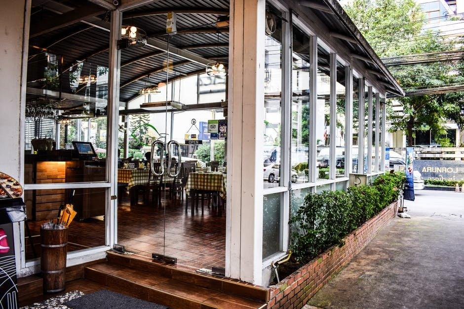 Tầm quan trọng của thiết kế nhà hàng sân vườn