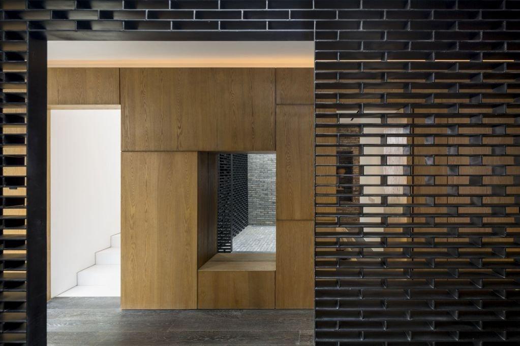 Gỗ sồi cũng được sử dụng cho không gian trong nhà