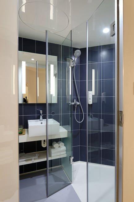 Tiêu chí chọn gạch ốp lát cho phòng tắm
