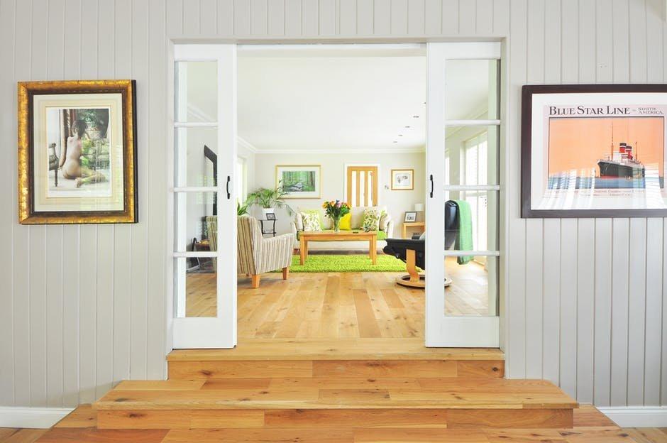 Tránh từ cửa chính có thể nhìn thẳng vào bếp