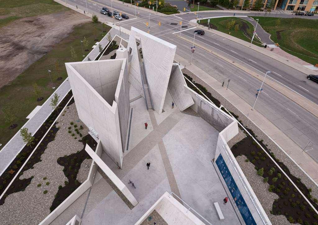 Đài tưởng niệm và nơi tôn vinh và gợi nhớ đến các nạn nhân của Holocaust